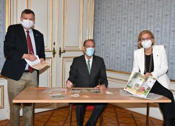 Der Präsident des IST Austria, Thomas Henzinger, Bundesminister Heinz Faßmann und Landeshauptfrau Johanna Mikl-Leitner