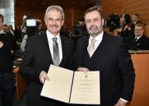 Der neue Landtagspräsident Karl Wilfing mit seinem Vorgänger Hans Penz