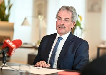 Karl Wilfing, Landtagspräsident und Vorsitzender der Landes-Hauptwahlbehörde, informierte nach deren Konstituierung über die Gemeinderatswahl am 26. Jänner.