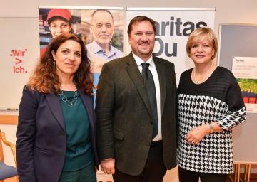 Im Bild von links nach rechts: Susanne Karner (Caritas-Bereichsleiterin PsychoSoziale Einrichtungen), Hannes Ziselsberger (Direktor Caritas-St. Pölten) und Sozial-Landesrätin Barbara Schwarz