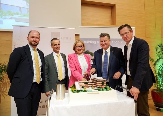 Laborgebäude 5 am IST Austria in Klosterneuburg eröffnet